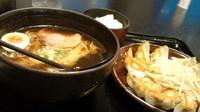 「浜松餃子とラーメンのセット997円」@五味八珍 メイワン店の写真