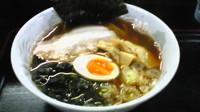 「豚骨魚介風ラーメン(700円)」@つけ麺 劉備 阿見店の写真