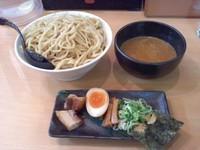「濃厚とんこつ辛つけ麺、山盛り」@ラーメン 春樹 多摩カリヨン館店の写真