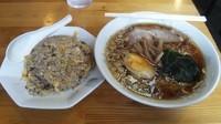 「ラーメンとチャーハンセット(900円)」@中華風食堂  精華の写真