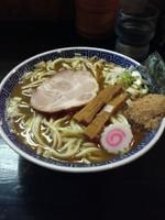 「正油らー麺中盛り(魚粉増し)800円」@自家製中華そば 麺 まる井の写真