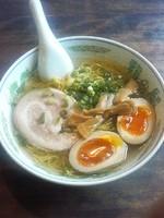 「半熟味付け卵塩らーめん820円」@龍の髯の写真