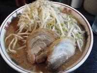 「ラーメン並(野菜2倍、アブラ)¥600+生卵¥50」@ダントツラーメン 岡山一番店の写真