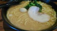 「濃厚とんこつ醤油ラーメン(大盛サービス)650円」@新とんこつ大学 築地キャンパスの写真