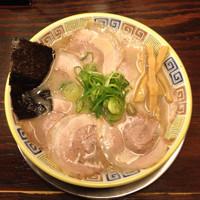 「昔チャーシューメン 950円」@大砲ラーメン 新横浜ラーメン博物館店の写真