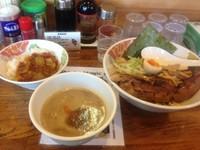「ドデカチャーシューつけ麺 ランチサービスミニカレー」@つけめん 彩香 若葉店の写真