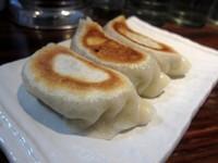 「餃子(3ヶ) 240円」@らぁ麺 夢のやの写真