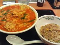 「チゲ味噌ラーメン(期間限定)+半チャーハンセット」@日高屋 水道橋東口店の写真