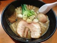 「味玉ら〜めん (700円)」@○寅 麺屋 山本流の写真