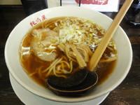「醤油ラーメン(あっさり・平打ち麺)」@純情屋 新家町店の写真
