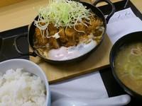 「カレー鍋定食\619」@かつや 浅草店の写真