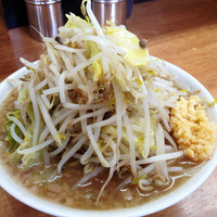 「ラーメン小¥700(麺硬、ニンニク)」@マキシマムザラーメン 初代 極の写真