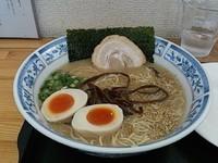 「醤油らーめん+煮卵2個」@麺房 松の写真