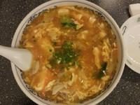 「サンラー湯麺【850円】」@龍巳飯店の写真