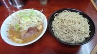 「小ラーメン(650円)+つけ麺(150円)ヤサイニンニク」@ラーメン二郎 めじろ台法政大学前店の写真