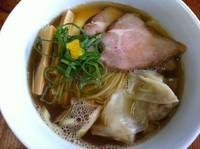 「ニボっちゃんわんたん」@らぁ麺 飯田商店の写真
