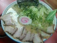 「辛味噌半チャーシューメン830円」@寅真らーめんの写真
