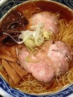 「らあめん(570円)・麺大盛(100円)」@やきやの写真