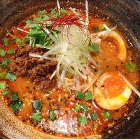 「紅担々麺+玉子」@四川麺条 香氣 千歳烏山店の写真