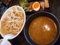 「超濃厚魚介とんこつつけ麺(特盛)」@らーめん春樹 新大塚店の写真