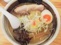 「鶏白湯(塩、中太麺)+替え玉(細麺)」@濃厚ラーメン じゅんの写真