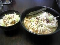 「濃厚ニンニクラーメン+一慶ごはん」@麺屋 一慶の写真