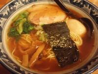 「味玉らぁめん(780円)」@○屋製麺店の写真