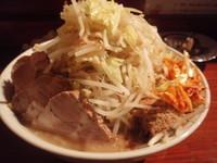 「豚入りラーメン(大)(野菜多め)魚粉,辛ネギ(クーポン)」@ラーメンむねやの写真