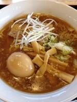 「煮干醤油ラーメン(炙り叉焼のせ)¥660」@キッチン840の写真