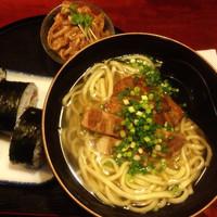 「沖縄そばセット  1000円」@くつろぎの店 どなんの写真