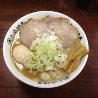 「鴨白湯醤油らーめん(大)700円+味玉100円」@◯大しらはるの写真