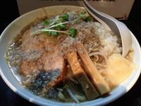 「超濃厚煮干し中華そば(豚骨醤油)並(200g)800円」@つけ麺 らーめん 研究所の写真