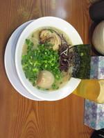 「ラーメン + 味玉 + 替え玉(無料券)」@博多長浜らーめん ぼたん 高田馬場店の写真