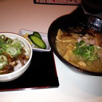 「(日40食限定)鶏炊きそば¥750+肉丼セット¥250」@麒麟児の写真