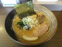 「豚骨醤油らーめん(並)」@らーめん びし屋の写真