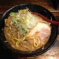 「辛味噌ラーメン790円+野菜・ニンニク増し」@麺処 花田 上野店の写真