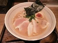 「W白湯セブン(醤油)¥900+中盛¥0」@麺と心 7の写真