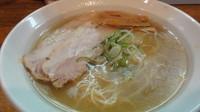 「塩らぁめん」@ラーメン 月麺の写真