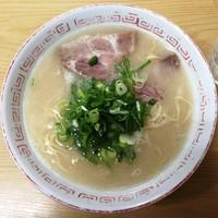 「らーめん¥500(かた麺)」@長浜ナンバーワン 祇園店の写真