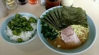 「とんこつ醤油ラーメン 大盛 麺硬」@横浜ラーメン 武蔵家 千葉店の写真