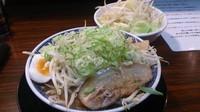 「魚介豚骨 小+ヤサイ増」@らーめん伏竜 本店の写真