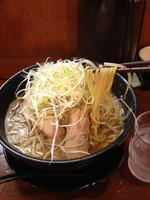 「特製豚そばこってり2玉野菜増し」@中村商店 南茨木の写真