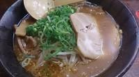 「赤味噌ラーメン(650円)+大盛り(0円)」@萬○屋 川崎店の写真