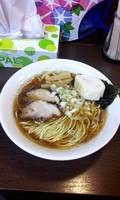 「煮干し正油+追い煮干し(無料) @500円」@ラーメン木曜日の写真