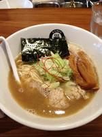 「【限定】鶏白湯らーめん」@RAMEN GOTTSUの写真