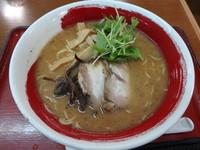 「六角 豚骨醤油ら~めん」@近江らーめん 六角の写真