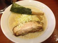 「鳥白湯醤油ラーメン 680円」@七麺鳥の写真