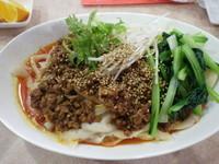 「スープなし麻辣刀削麺」@聚香閣の写真