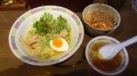 「カレー油そば(650円)+そぼろキムチ丼(300円)」@宝華らぁめん 国分寺店の写真