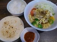 「【11月限定】焼カレーまぜ麺¥800+半ライス(サービス)」@伝家 志木店の写真